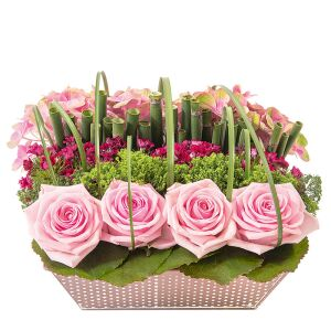 pretty arrangement included pink roses